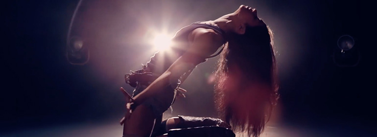 A dancer on her knees for Peaches new video which is one of today's Cuppán Gay stories