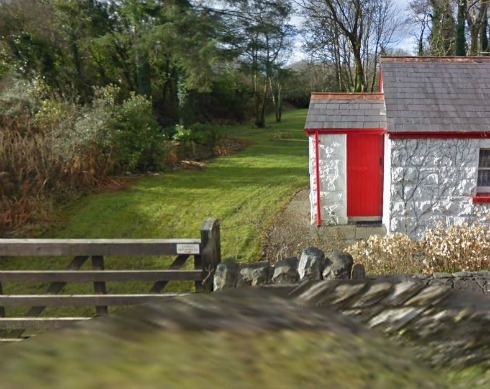 The white cottage side entrance with a red door one of the Irish Landmark Trust venues - the same Irish Landmark Trust who has a Valentine's Giveaway