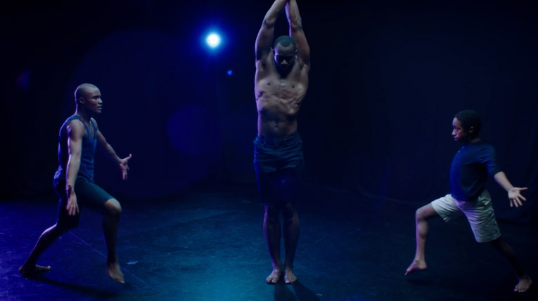 video-dance-inspired-by-moonlight