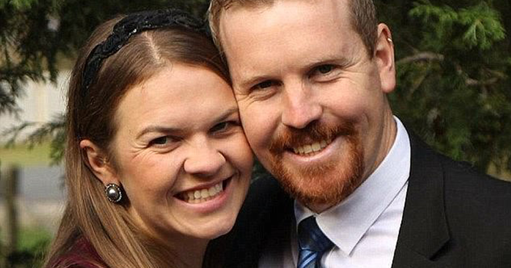 Photo of the Australian couple who declared they would get divorced if same-sex marriage was legalised in Australia