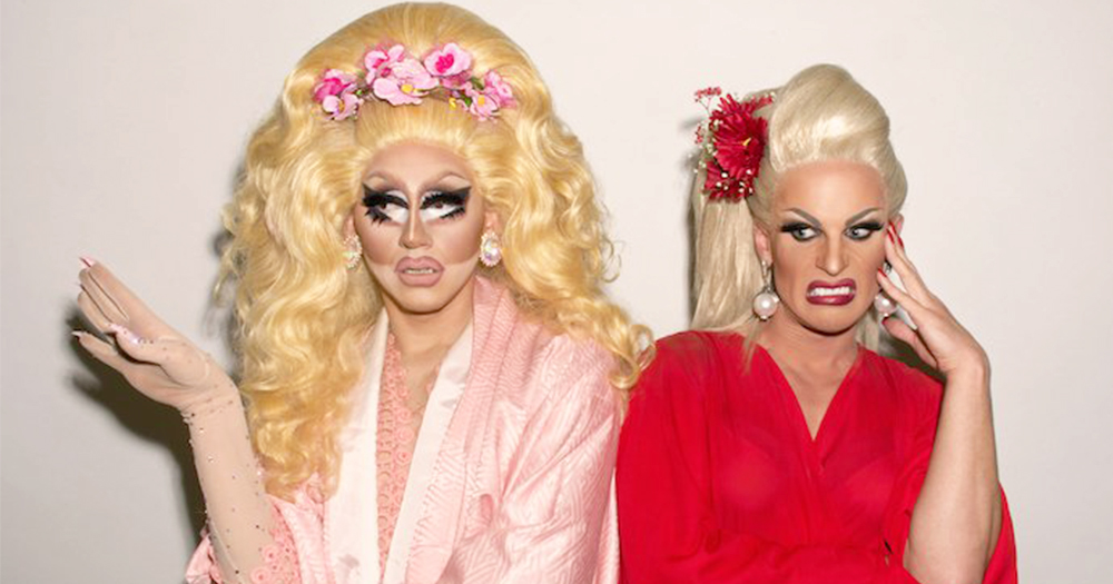 Drag queens Trixie and Katya pretentie to be disgusted by each others company at DragCon