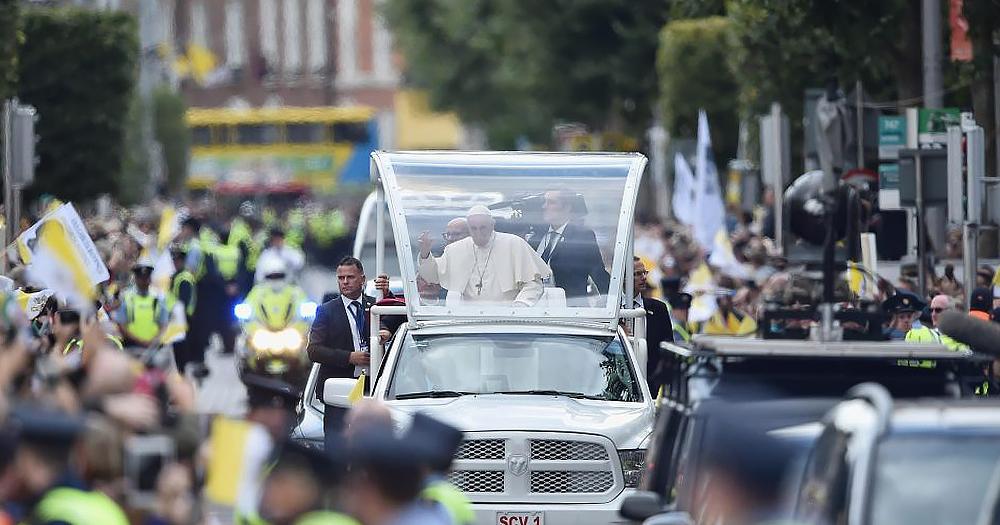 Dublin Pope parade