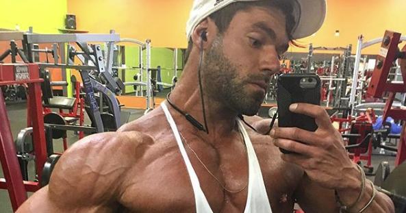 Photo of bodybuilder Geoffrey Tracy