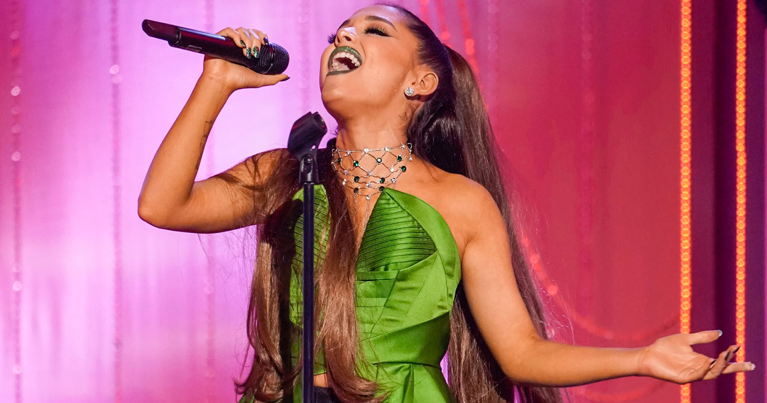 Ariana Grande sings Wicked