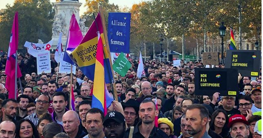 Image of protestors in France rallying against the recent increase in hate crime.