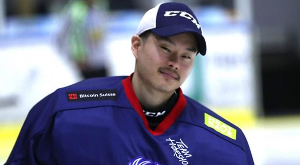 Pro hockey player Jon Lee-Olsen