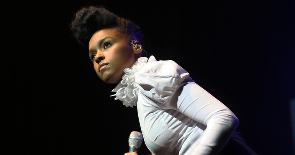 Janelle Monáe made opening ceremony of the Oscars an LGBT+ moment.